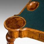 Queen Anne Antika Oyun Masası